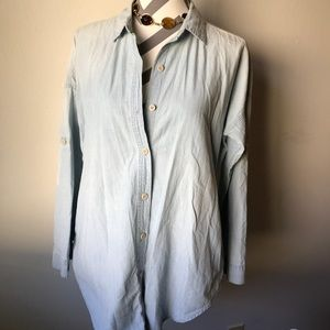 Gap Denim Button Down Blouse with Pockets Size S